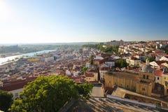 Ansicht über die historische Mitte von Coimbra, Portugal stockbilder
