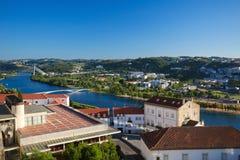Ansicht über die historische Mitte von Coimbra, Portugal stockfotografie