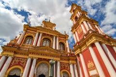 Ansicht über die Kirche des Heiligen Franziskus in Salta, Argentinien lizenzfreie stockfotografie