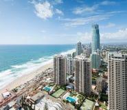 Ansicht über die moderne Stadt während des Tages Stockbilder