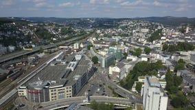 Ansicht über die Stadt von Siegen, Deutschland stock video