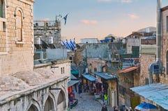 Ansicht an über dolorosa in Jerusalem am Abend Stockfotos