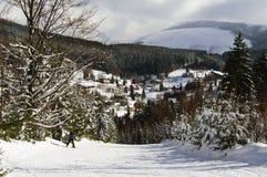 Ansicht über Dorf Stockfotos