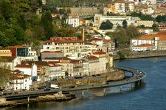 Ansicht über Duero-Fluss in Porto lizenzfreies stockfoto