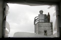 Ansicht über ein altes Industriegebäude Lizenzfreies Stockfoto