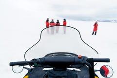 Ansicht über ein Skidoo Cockpit lizenzfreie stockfotos