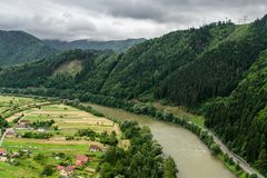 Ansicht über Fluss Vah Stockfotografie