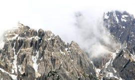 Ansicht über Gebirgskette in den Alpen (Dolomit) Stockfoto