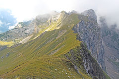 Ansicht über Gebirgskette in den Alpen (Rofan) Stockbild