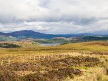 Ansicht über große Schlucht oder Glen More im schottischen Hochland nahe Loch Ness lizenzfreies stockfoto