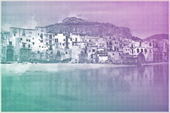Ansicht über habour und alte Häuser in Cefalu nachts, Sizilien Lizenzfreies Stockbild