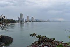 Ansicht über Hua Hin vom Affeberg Khao Takiab in Thailand, Asien Lizenzfreie Stockbilder