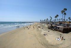 Ansicht über Küste und Strand von Newport setzen, Orange County - Kalifornien auf den Strand Lizenzfreie Stockbilder