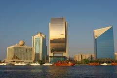 Ansicht über Kai von Dubai Stockfotos
