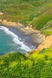 Ansicht über leeren wilden Strand in Kalifornien, USA Stockbild
