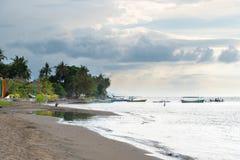 Ansicht über Lovina-Strand in Nord-Bali, Indonesien Lizenzfreie Stockfotografie