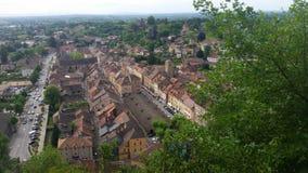 Ansicht über mittelalterlichen Dorfplatz Stockfotos