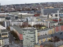 Ansicht über moderne Gebäude in Frankfurt am Main in Deutschland hoch auferlegen stockfotos