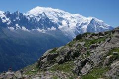 Ansicht über Mont-Blanc massiv lizenzfreies stockbild