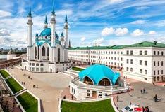Ansicht über Moschee Kul Sharif in Kasan der Kreml am Sommertag stockbild