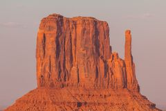 Ansicht über Osthandschuh Butte im Monument-Tal arizona Stockbild