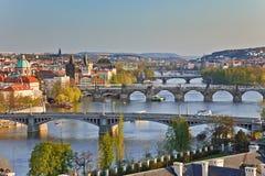 Ansicht über Prag-Brücken Stockfotografie