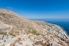 Ansicht über Santorini Griechenland von alter Thera-historischer Stätte Lizenzfreies Stockbild