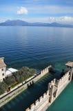 Ansicht über See Garda Stockfotos