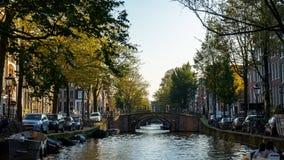 Ansicht über sieben Amsterdam-Kanalbrücken, am 13. Oktober 2017 lizenzfreies stockfoto