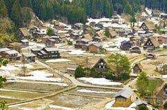 Ansicht über Spitzen-shirakawago stockfotografie