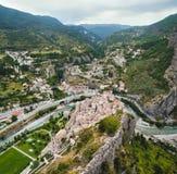 Ansicht über Stadt Entrevaux, Frankreich Stockfotografie