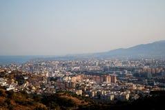 Ansicht über Stadtdachspitzen, Màlaga, Andalusien, Spanien. Lizenzfreie Stockfotos