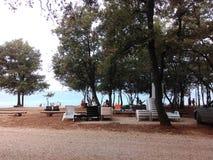 Ansicht über Strand und Meer lizenzfreies stockbild