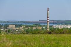 Ansicht über Svetlovodsk-Stadt und den Fluss Dnieper lizenzfreie stockfotografie