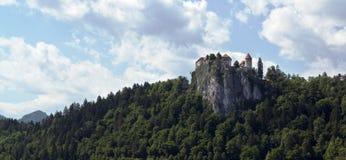 Ansicht über verlaufenes Schloss, Slowenien Stockfotografie