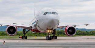 Ansicht über Versuchskabine des modernen Handelspassagierflugzeugs Reise- und Ferienkonzept Luftfahrt und Transport stockfotografie