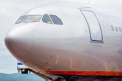 Ansicht über Versuchskabine des modernen Handelspassagierflugzeugs Reise- und Ferienkonzept Luftfahrt und Transport stockfotos