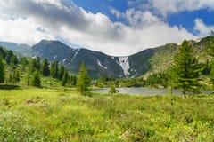 Ansicht über vierten See von Karakol Seen in Altai-Republik Russland Stockfoto