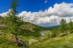 Ansicht über vierten See von Karakol Seen in Altai-Republik Russland Stockfotos