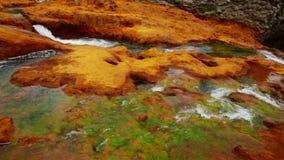 Ansicht über Wasserfall Salto Del Agrio und Agrio River Valley in Argentinien stock video