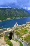 Ansicht alte Festung und Kotor-Bucht, Montenegro Lizenzfreies Stockbild