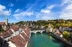 Ansicht alter Stadt Berns auf der Brücke Lizenzfreies Stockfoto