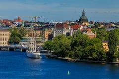 Ansicht auf alte Stadt und See Mälaren Stockholms in Schweden Stockfoto