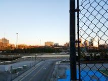 Ansicht auf der Autobahn und das Stadtzentrum in Atlanta stockbilder