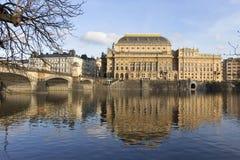 Ansicht über das nationale Theater Herbst Prags, Tschechische Republik Stockbilder