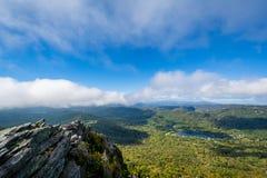 Ansicht blauen Ridge Mountainss und des Grandfather Sees von großartigem lizenzfreie stockfotos