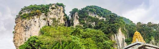 Ansicht in das Batu höhlt, nahe Kuala Lumpur, Malaysia aus lizenzfreie stockfotografie