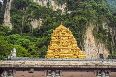 Ansicht in das Batu höhlt, nahe Kuala Lumpur, Malaysia aus stockbilder