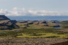 Ansicht an den isländischen Ebenen während der Sommerzeit Lizenzfreie Stockbilder