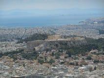 Ansicht der Akropolises und des Piräus von Lycabettus-Hügel lizenzfreie stockbilder